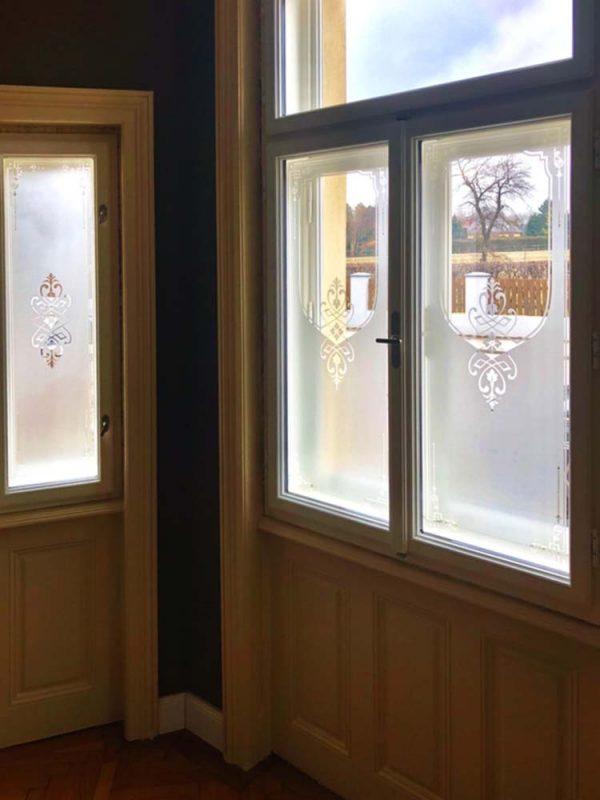 """Fenster Sichtschutz weiter entwickeltes Motiv Campana mit """"Guckloch"""""""