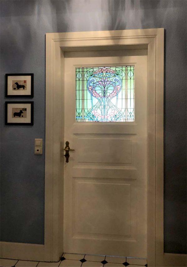 Buntglas Fensterfolie im floralen Jugendstil